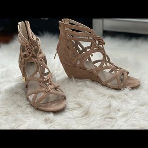 Kenneth Cole strappy wedge sandals -tan suede 8.5